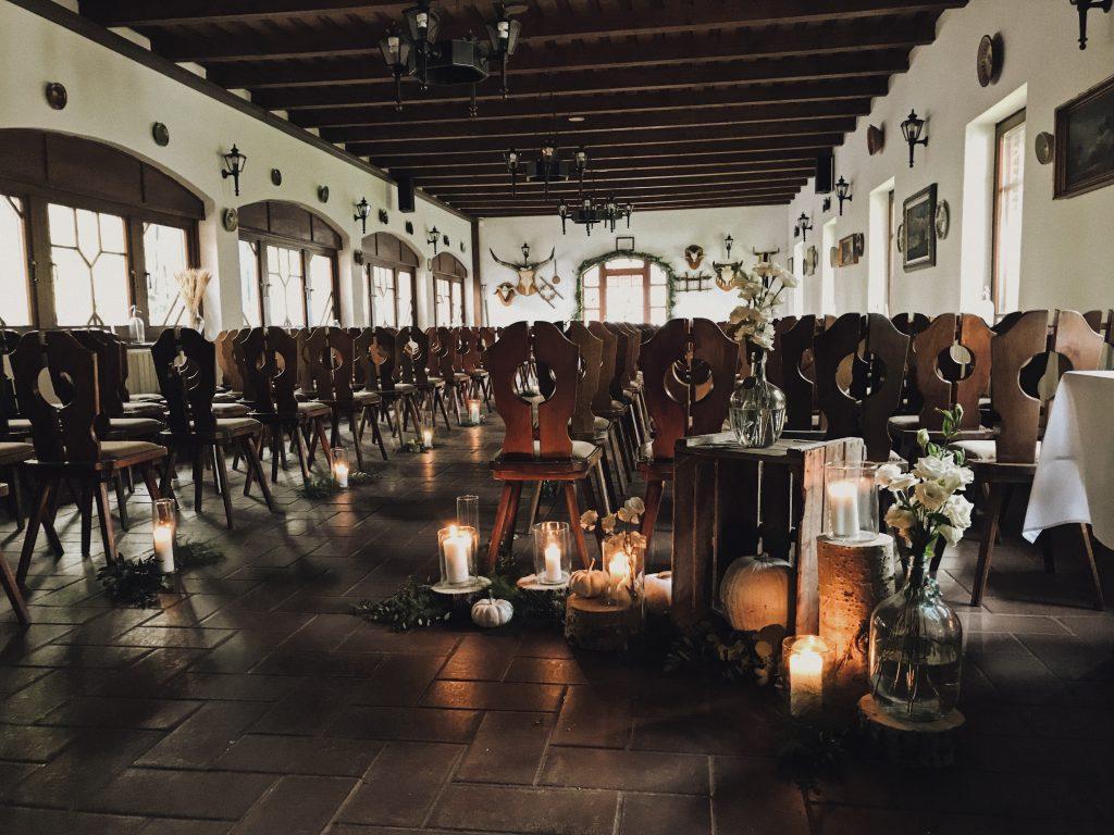 esküvői dekor, őszi esküvő, esküvői ruha, esküvő, menyasszonyi ruha,ceremónia dekor,esküvői ceremónia, polgári esküvő