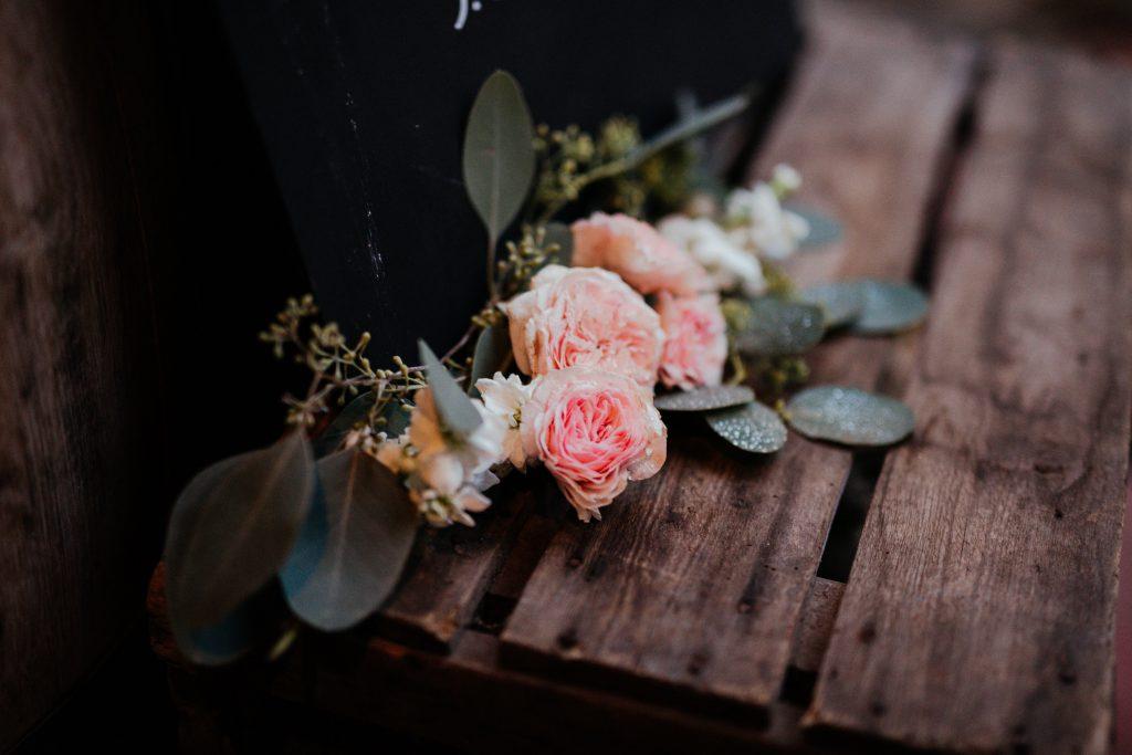 esküvő dekor,,gyűrű, esküvői dekoráció, desszertasztal,esküvői süteménymenyasszonyi ruha, török-bognár reni, renifotó,esküvői fotós,Kisfaludy ház