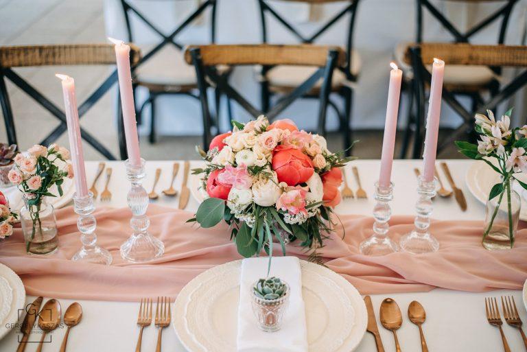 provence wedding ráckeve, okker dekor, sárga esküvői dekor, rózsaszín dekor, púder rózsaszín, esküvői színek