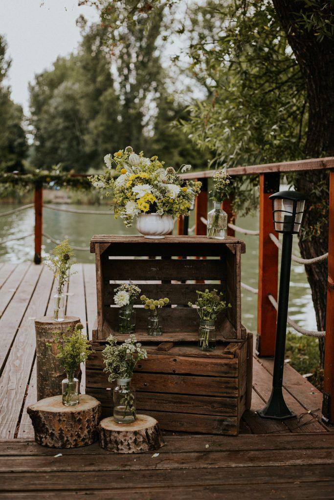 vakvarjú Csónakház dunai csónakház, budapest esküvő, dunapart esküvő