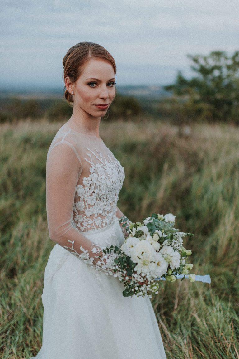hilltop esküvő
